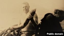 З крымскімі рыбакамі. Пачатак 70-х гг.