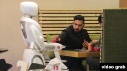 Kabulska konobarica robot