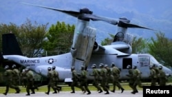 Конвертоплан Osprey на учениях в Японии, архивное фото