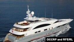 Яхта Prima, фармальна належыць нафтавай кампаніі SOCAR, якая выкарыстоўваецца для адпачынку сям'і прэзыдэнта Азэрбайджану, фота OCCRP