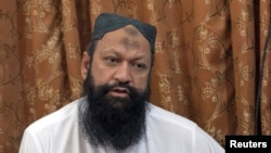 Pakistani militant Malik Ishaq (file photo)