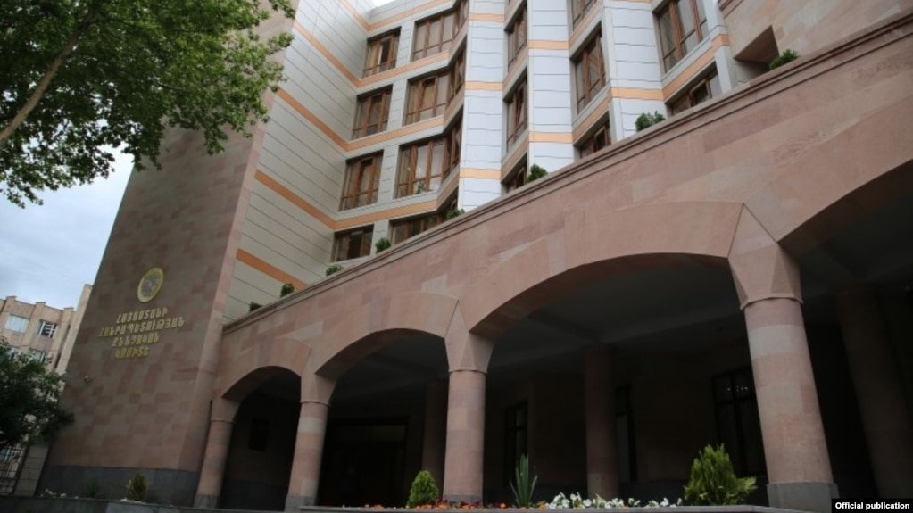 Раскрыты злоупотребления в старшей школе N46, бывшему директору предъявлено обвинение - СК
