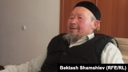 Кыргыз эл жазуучусу Элүүбай Отунчиев.