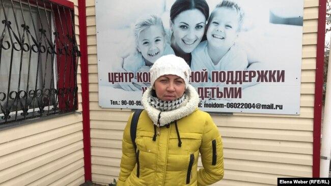Инвалид второй группы Валентина Суглобова считает, что активным инвалидам нужен бесплатный проездной билет. Темиртау, 16 октября 2018 года.