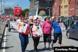 Late Bloomer Ladies на марше