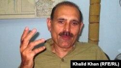 Peshawar: Prominent Pashtun journalist Ismail Khan talking to Mashaal Radio