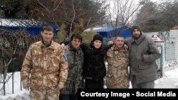 Святослав Андрієнко (у центрі) разом зі своїми бойовими побратимами