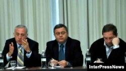 ოპოზიციის ლიდერები (მარცხნიდან): დავით გამყრელიძე, დავით უსუფაშვილი