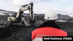 Добыча угля открытым способом в Кемеровской области