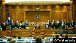 На заседании косовского парламента