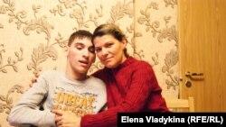 Чинчлей Ольга с сыном Андреем