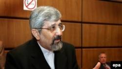 نماینده ایران در آژانس می گوید که اشاره به لزوم پايبندی کامل به معاهده ان پی تی «مناسب» نيست.