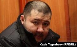 Алмаз Игиликов, подсудимый по делу об убийстве кыргызского журналиста Геннадия Павлюка. Алматы, 7 февраля 2012 года.