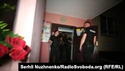 Фото з місця вбивства Аркадія Бабченка в Києві