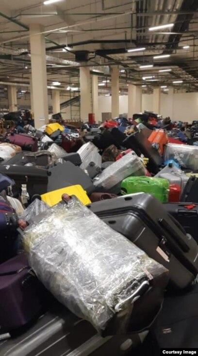 """Багаж в аэропорту """"Шереметьево"""", 6 июня 2019 года"""