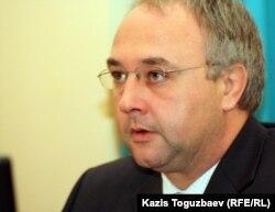 Генеральный консул Великобритании в Алматы Стивен Хиклинг. Алматы, 8 декабря 2011 года.