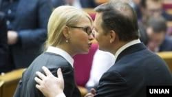 Лідер партії ВО «Батьківщина» Юлія Тимошенко та лідер Радикальної партії Олег Ляшко під час засідання Верховної Ради України, 31 березня 2016 року