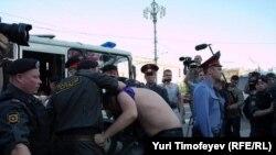 Задержание протестующих у Баррикадной