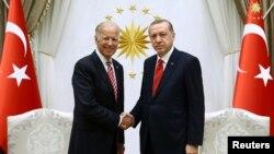 Թուրքիա - Ջո Բայդենը Միացյալ Նահանգների փոխնախագահի պաշտոնում Անկարայում հանդիպում է Թուրքիայի նախագահ Ռեջեփ Էրդողանի հետ, 24-ը օգոստոսի, 2016թ.