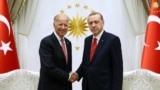 Turkey -- Turkish President Tayyip Erdogan (R) meets with U.S. Vice President Joe Biden at the Presidential Palace in Ankara, August 24, 2016.
