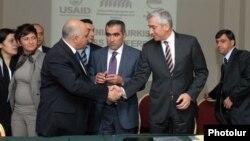 Erməni və türk iş adamları Yerevanda, 22 noyabr 2011