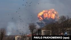 Вибухи боєприпасів на військовому складі в Балаклії (фотогалерея)