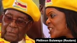 Президент Зімбабве Роберт Мугабе з дружиною Грейс, 8 листопада 2017 року