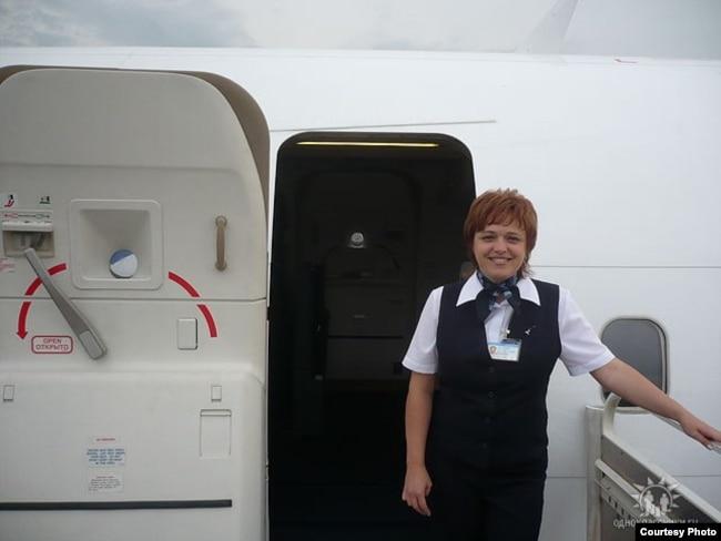 Смотреть с лиз энн стюардессы фото 517-970