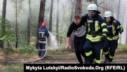 Тренування пожежників у Донецькій області, архівне фото