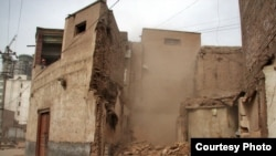 Demolition has begun in parts of Kashgar's Old City.