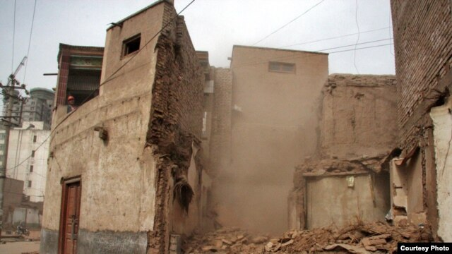 Demolition has begun in parts of Kashgar's Old City.