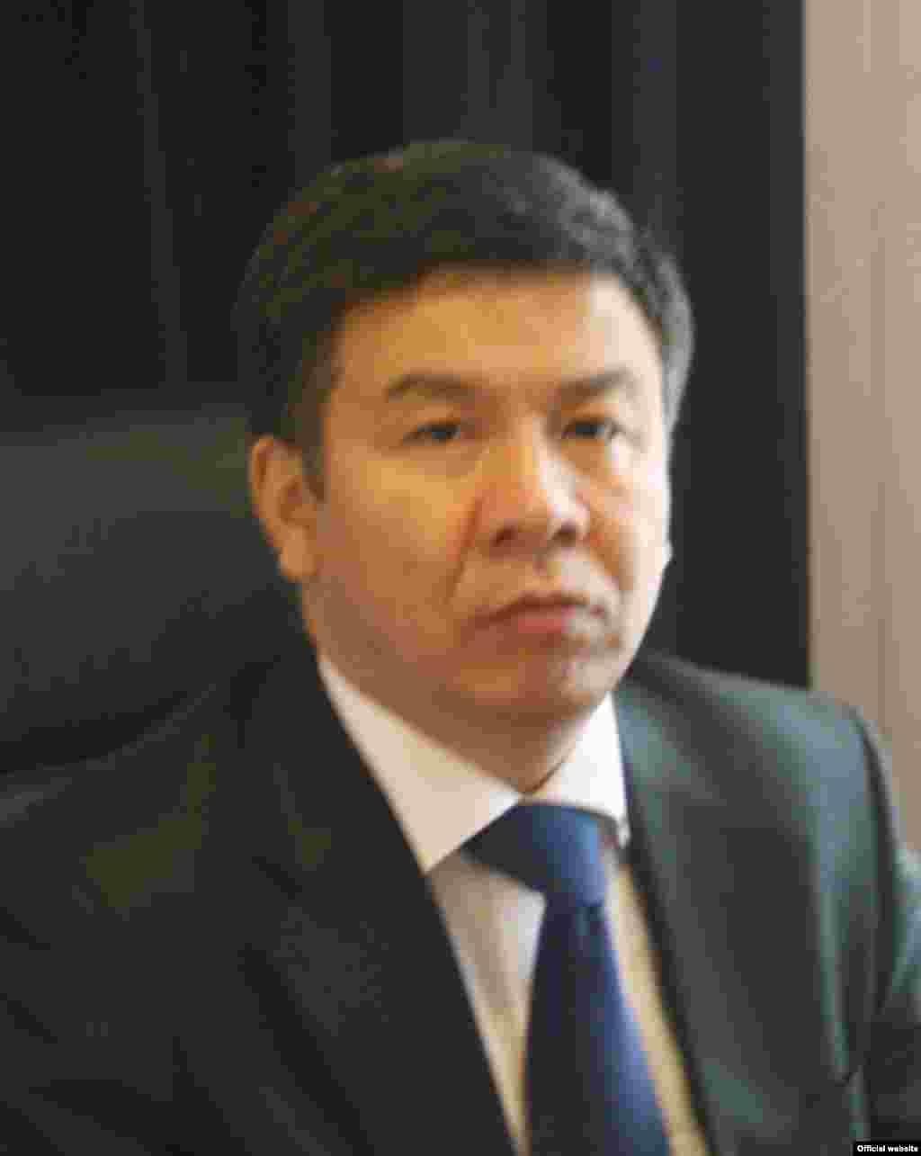 Алмамбет Шыкмаматов, министр юстиции.