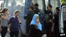 Столкновения в Тунисе между демонстрантами и полицией