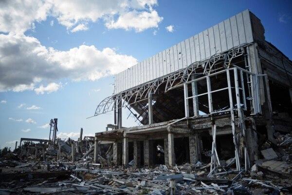 Руїни Луганського аеропорту. Липень 2015 року