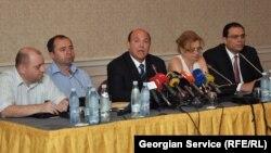 """""""ქართუ ჯგუფის"""" უცხოელი მეწილეების ადვოკატები"""