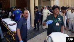 Pamje pas sulmit në një xhami shiite më 26 qershor në Qytetin e Kuvajtit