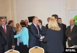 Në fjalimet hyrëse, presidentja Atifete Jahjaga dhe kryeministri Hashim Thaçi kërkuan që Kosova si shtet i ri të zërë vendin e vet në NATO dhe BE.