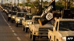 لقطة فيديو دعائي لمركبات داعش في مدينة سرت الليبية
