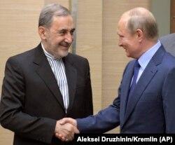 Али-Акбар Велаяти и Владимир Путин. Ново-Огарево, 12 июля