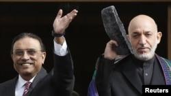 Пакстан президенты Асиф Али Зардари (с) Әфганстан башлыгы Хәмид Карзай белән Төркиядә очрашты