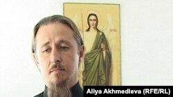 Настоятель талдыкорганского Иоанно-Богословского собора отец Григорий.