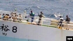Somalijski pirati sa taocima, 17.11.2008.