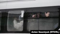 Задержание местных жителей у дома Мустафаева