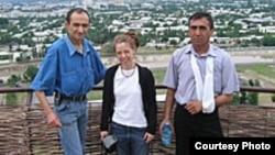 Суратда чапдан биринчи Жамшид Каримов.
