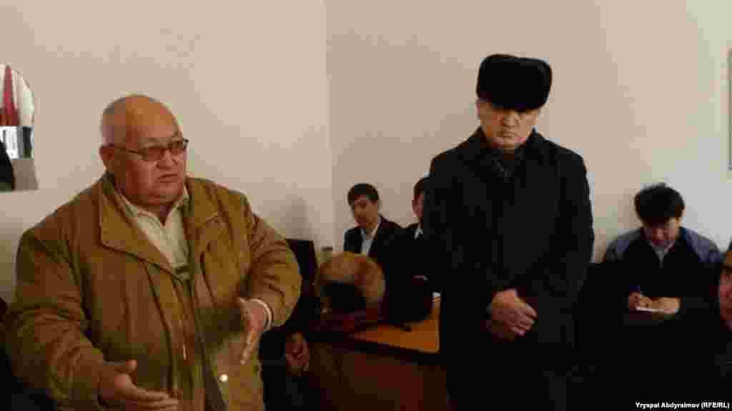 Беглый Кадыржан Батыров говорит, что его имущество растаскивают по частям. На фото один из судов по делу Батырова в Джалал-Абаде