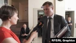 Голова АМКУ Юрій Терентьєв пояснював, мовляв, попередня відмова була не остаточним рішенням