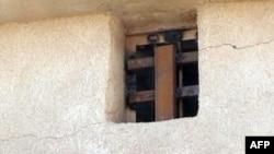 النافذة التي فر عبرها السجناء في تكريت