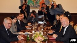 Средба на српскиот претседател Томислав Николиќ и британскиот секретар за надворешни работи Вилијам Хејг во Белград.