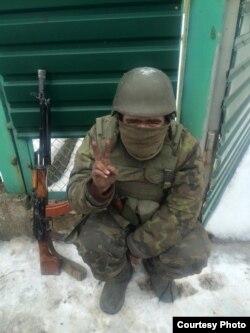 Денис Кліщевський у Водяному після виходу з Донецького аеропорту, 18 січня 2015 року