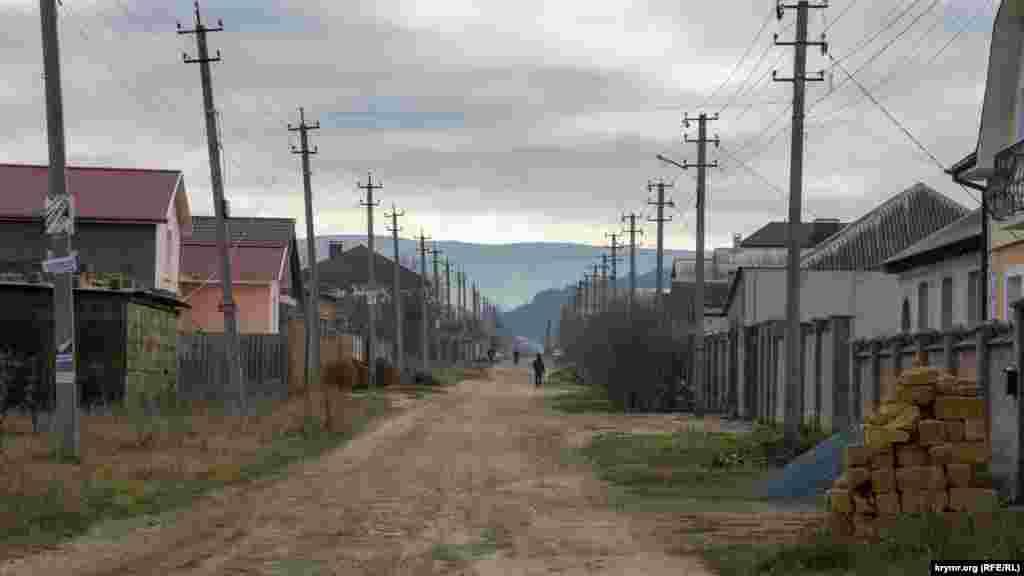 На вулиці Челебіджихана в селі Андрусове (до 1948 року – Тахта-Джамі)